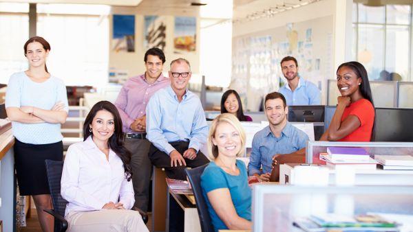 Studiu eJobs: 4 ani, durata medie petrecuta de angajatii romani la un loc de