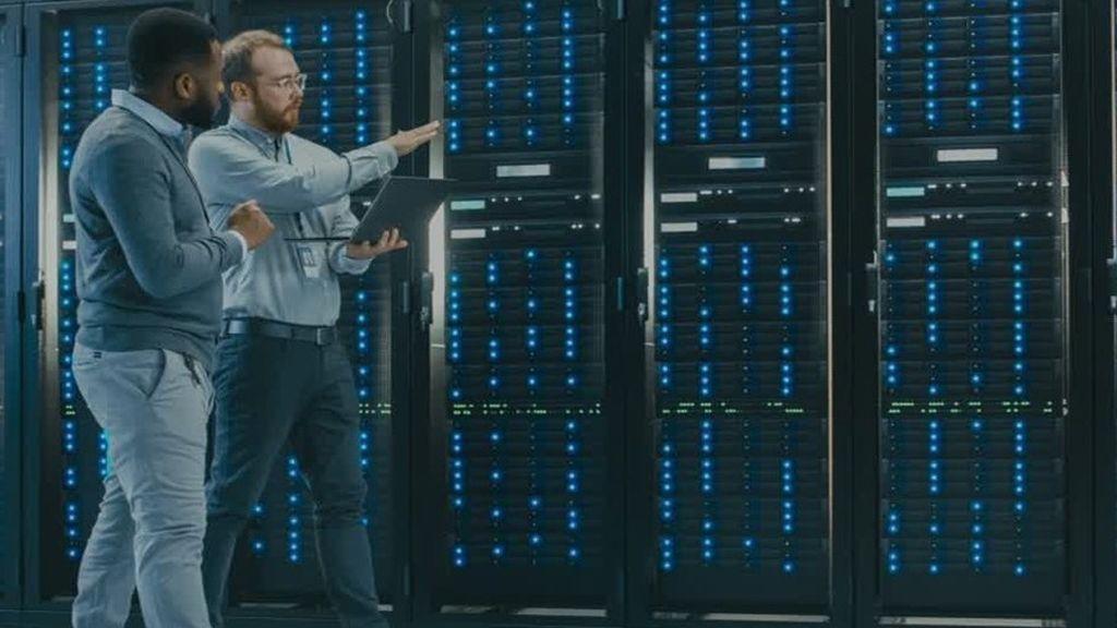 Serviciile Schneider Electric dedicate centrelor de date imbunatatesc eficienta operationala cu pana la 15% si reduc riscurile